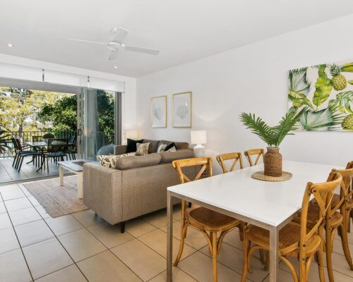Sunshine-Coast-Metzo-Noosa-1-n-2-bed-2-bathroom-apt-(11)