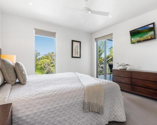 Sunshine-Coast-Metzo-Noosa-1-n-2-bed-2-bathroom-apt-(2)