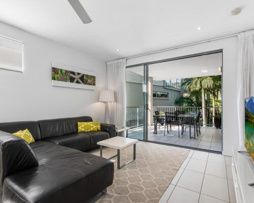 Sunshine-Coast-Metzo-Noosa-1-n-2-bed-2-bathroom-apt-(6)