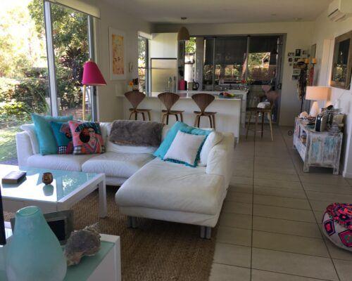 Sunshine-Coast-Metzo-Noosa-2-n-2-bed-2-bathroom-garden-apt (3)